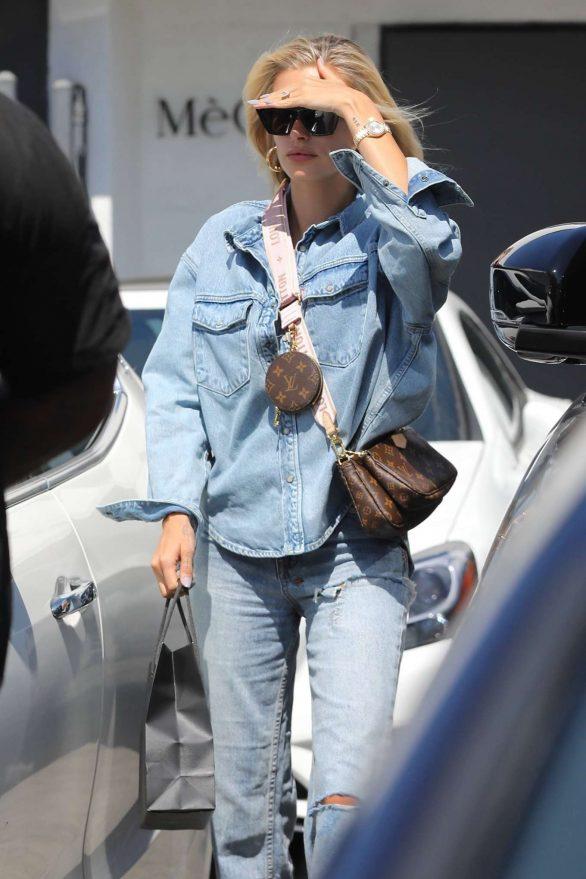 Hailey Baldwin - Leaving Meche Salon in Beverly Hills
