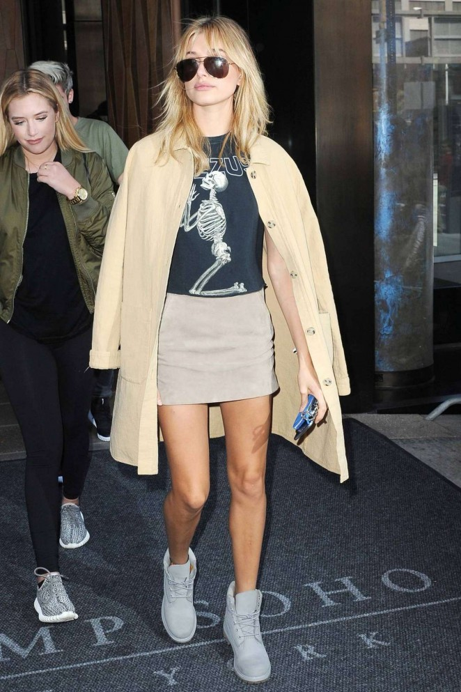 Hailey Baldwin - Leaving SoHo Hotel in NYC