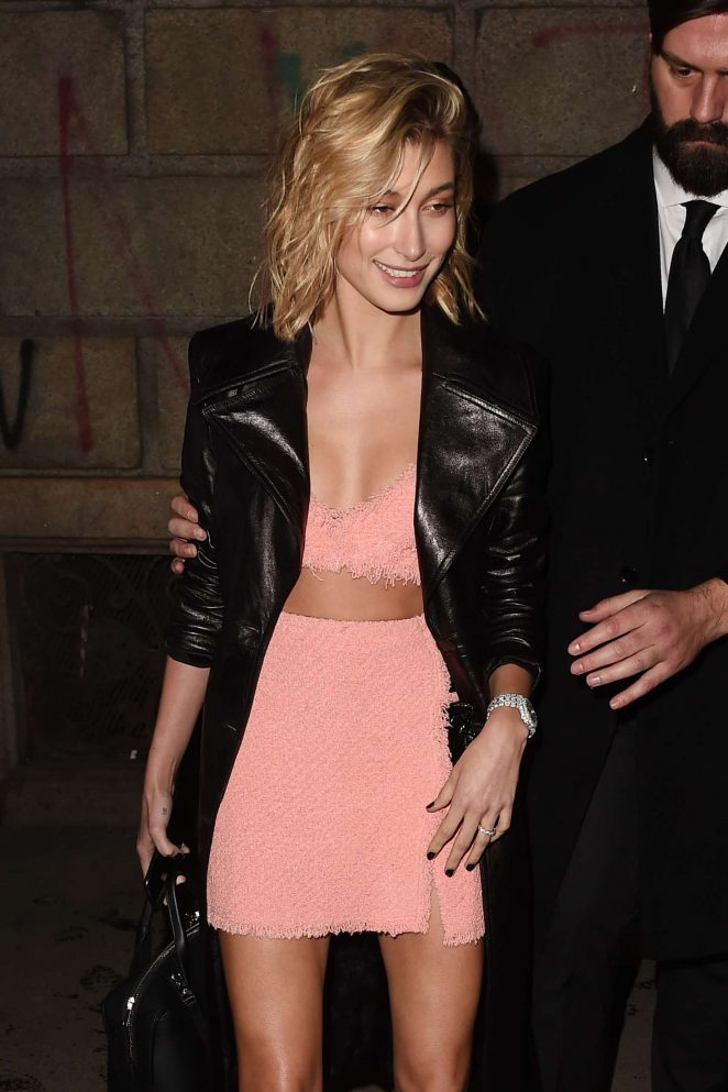 Hailey Baldwin – Leaving the ADR Party in Milan