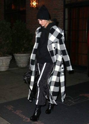 Hailey Baldwin - Leaving The Bowery Hotel in Manhattan