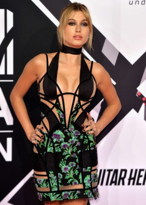 Hailey Baldwin - 2015 MTV European Music Awards in Milan