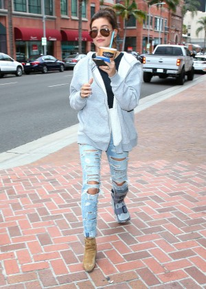 Hailey Baldwin in Ripped Jeans Out in Beverly Hills