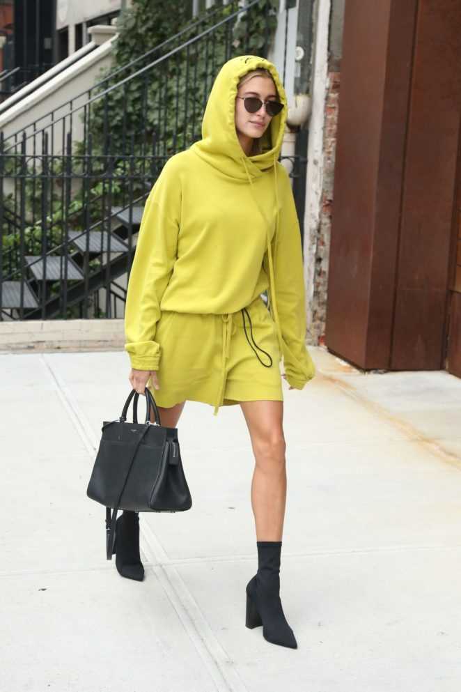 Hailey Baldwin – Out and about in New York City