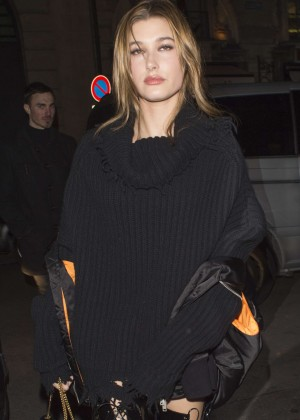 Hailey Baldwin - Out and about in Paris
