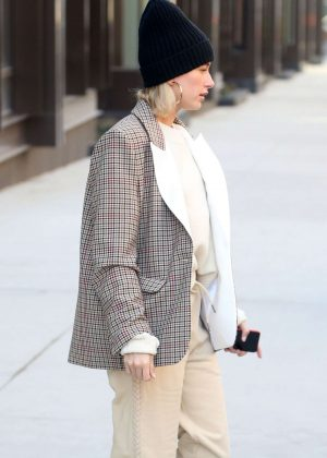 Hailey Baldwin - Out in NYC