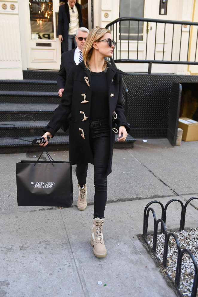 Hailey Baldwin out shopping in New York City -03