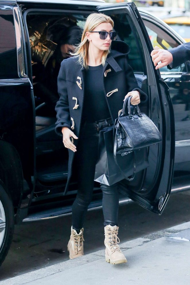 Hailey Baldwin out shopping in New York City -13