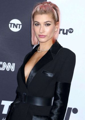 Hailey Baldwin - Photocall at Turner Upfront 2018 In New York