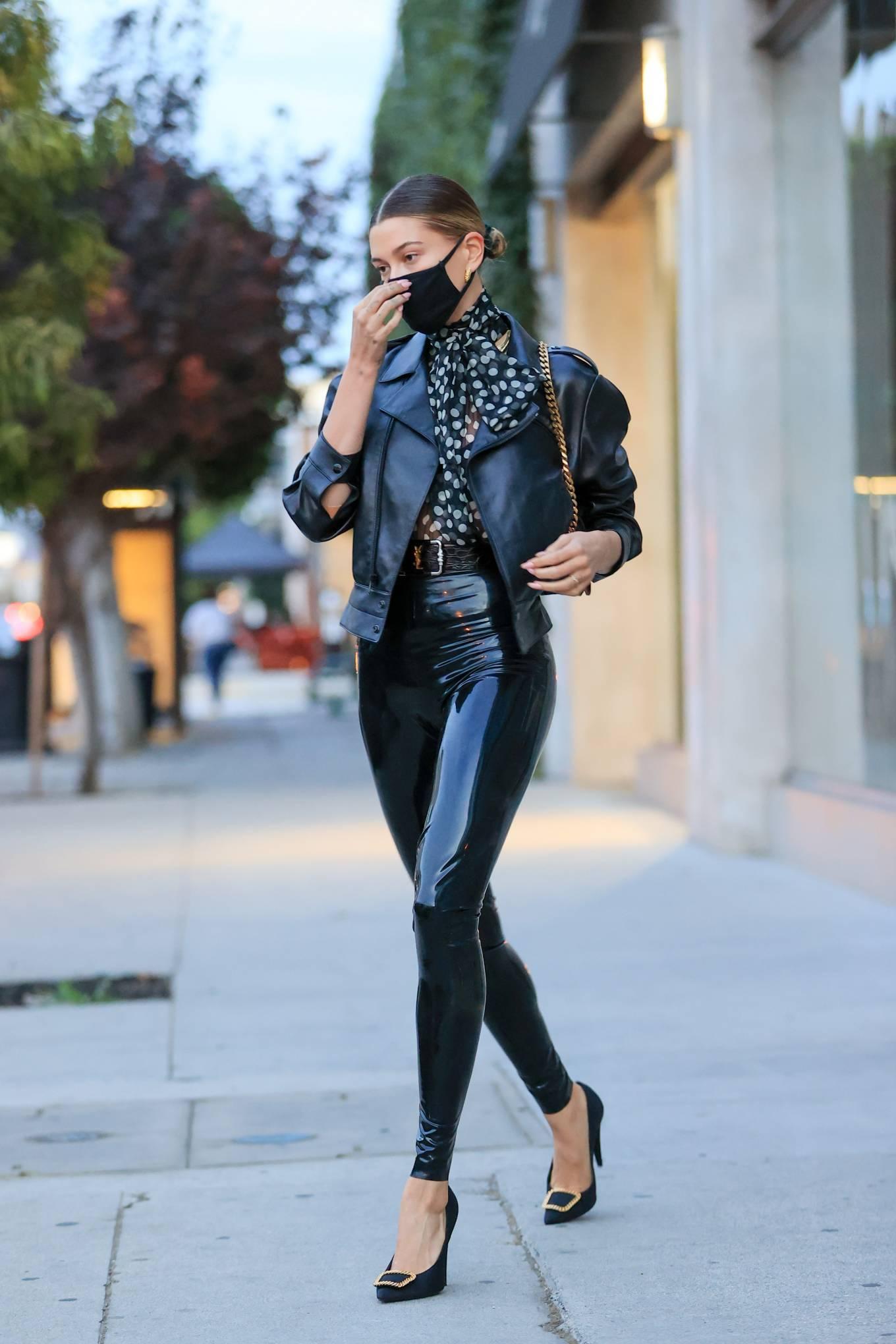 Hailey Baldwin 2020 : Hailey Baldwin – Seen outside her stylists office in Los Angeles-11