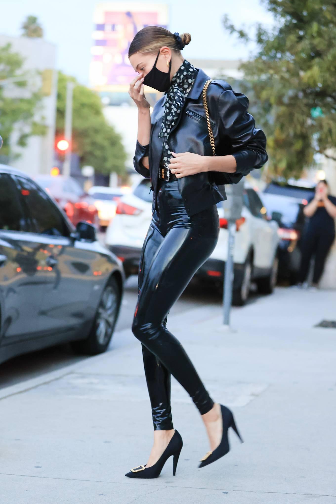 Hailey Baldwin 2020 : Hailey Baldwin – Seen outside her stylists office in Los Angeles-16