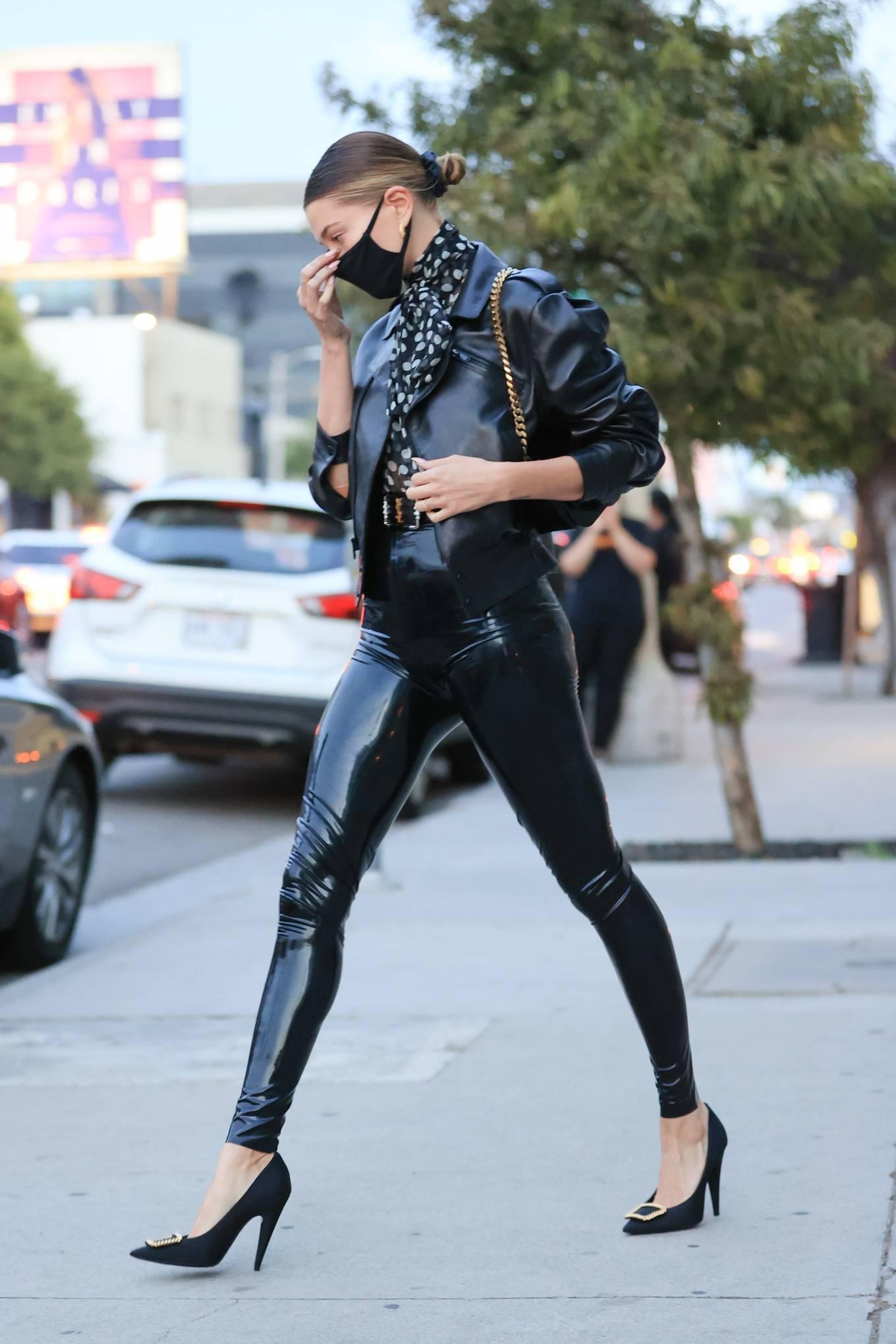 Hailey Baldwin 2020 : Hailey Baldwin – Seen outside her stylists office in Los Angeles-17