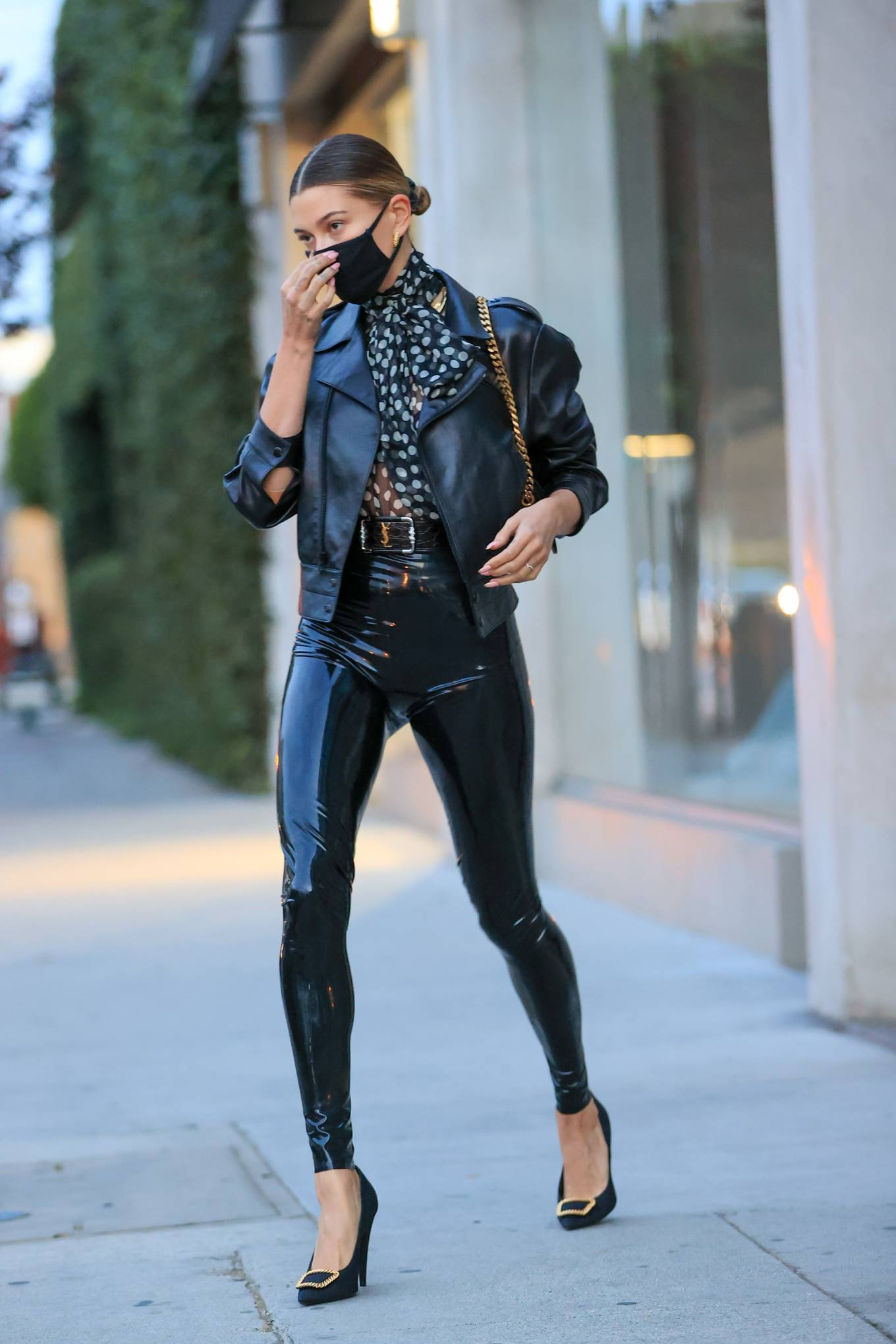 Hailey Baldwin - Seen outside her stylist's office in Los Angeles