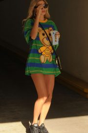 Hailey Baldwin - Seen while Out in Beverly Hills