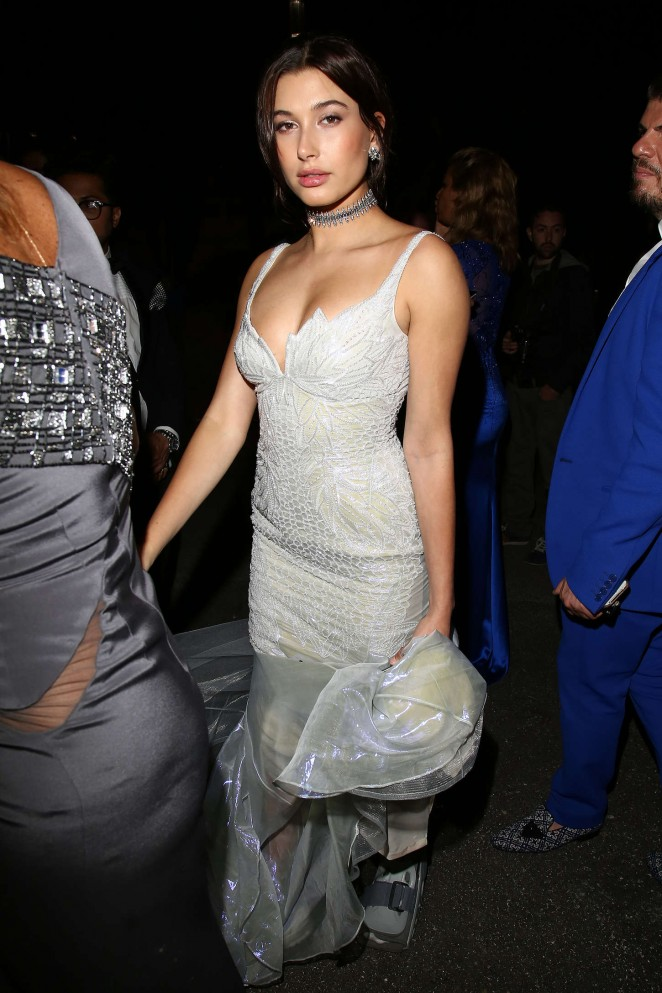 Hailey Baldwin - Soiree Chopard 'Gold Party' in Cannes