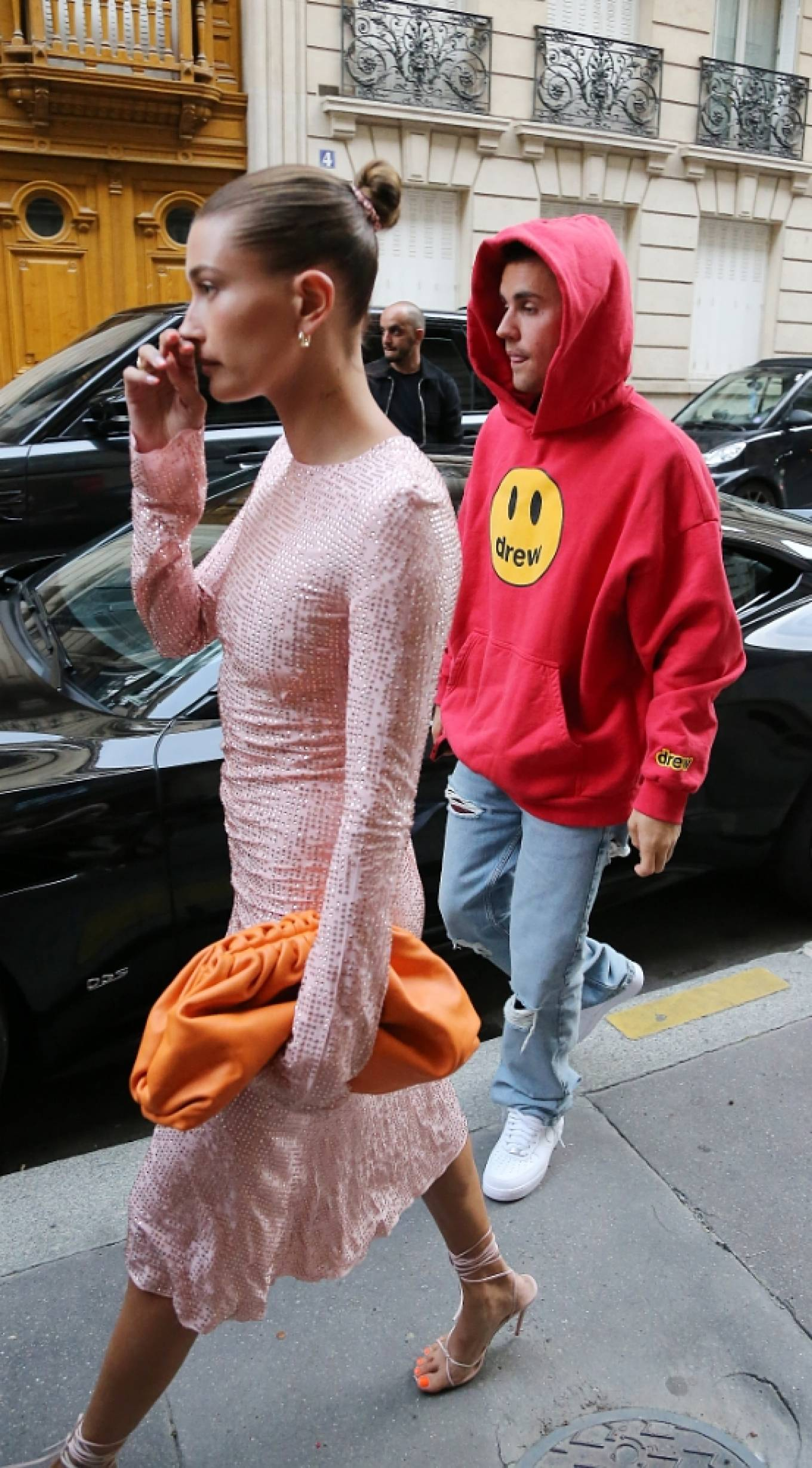 Hailey Baldwin - Steps out with Justin Bieber for diner at Stresa's restaurant in Paris