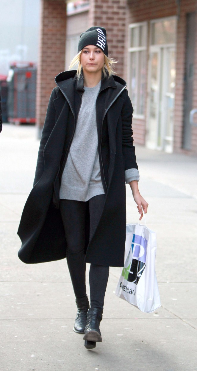 Hailey Baldwin Street Style Out And About In New York