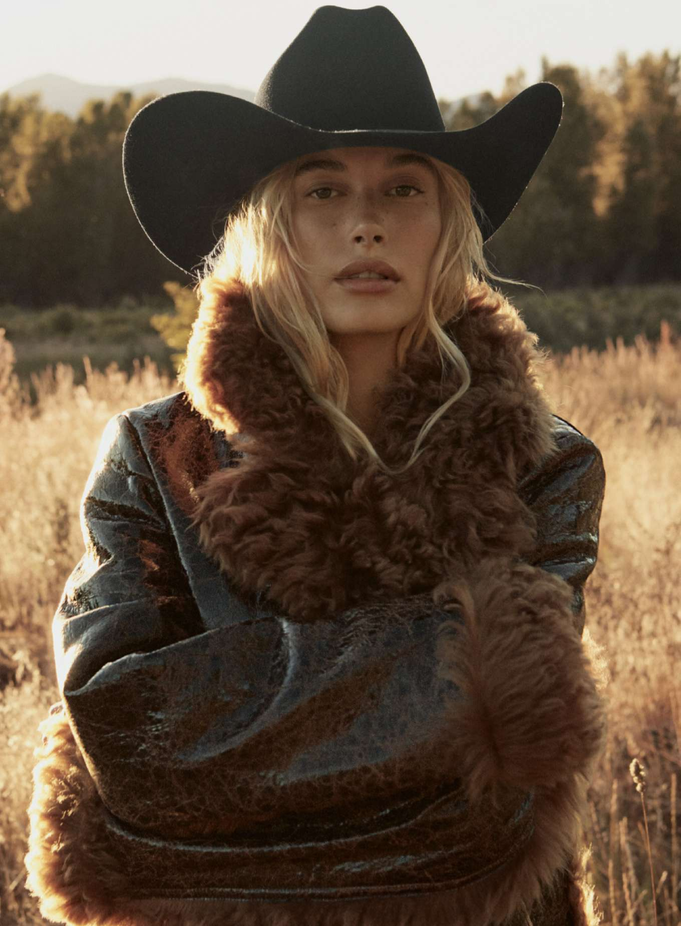 Hailey Baldwin 2019 : Hailey Baldwin – Vogue US 2019-06