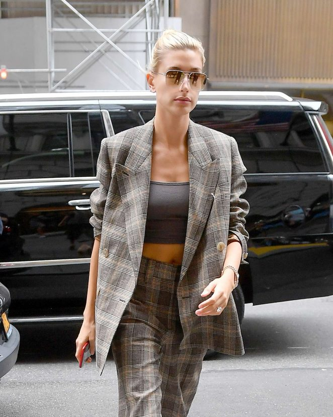 Hailey Baldwin – Wearing a plaid suit in New York