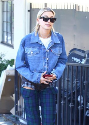 Hailey Baldwin - Wearing plaid trousers in LA