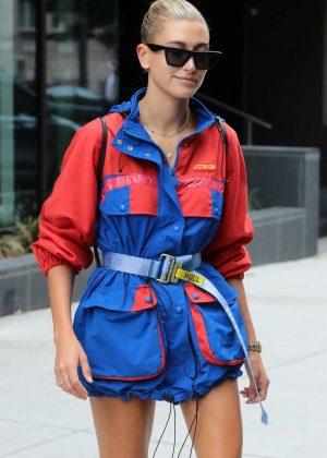Hailey Baldwin - Wears a Heron Preston jacket in Brooklyn