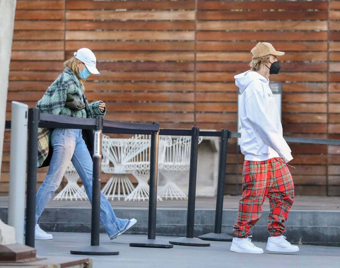 Hailey Bieber 2020 : Hailey Bieber and Justin Bieber – Christmas shopping at Maxfield in West Hollywood-17