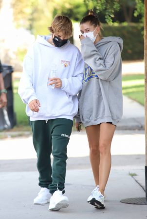 Hailey Bieber and Justin Bieber - Out for brakefats in Santa Monica