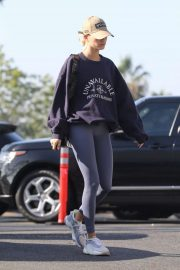 Hailey Bieber - Arrives to the gym in Los Angeles