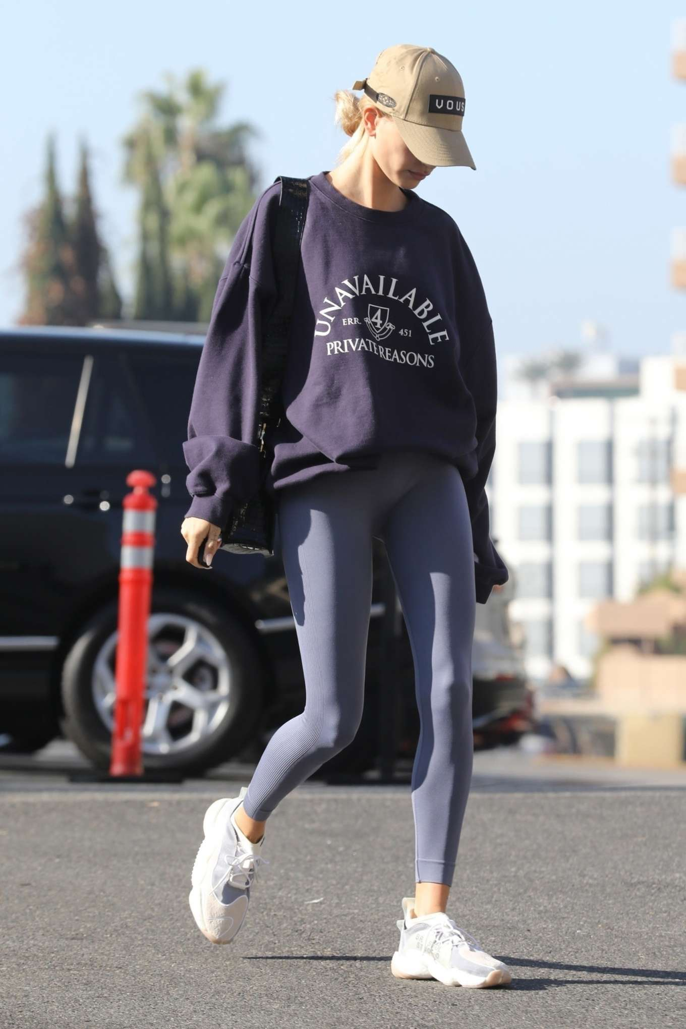 Hailey Bieber 2019 : Hailey Bieber – Arrives to the gym in Los Angeles-11