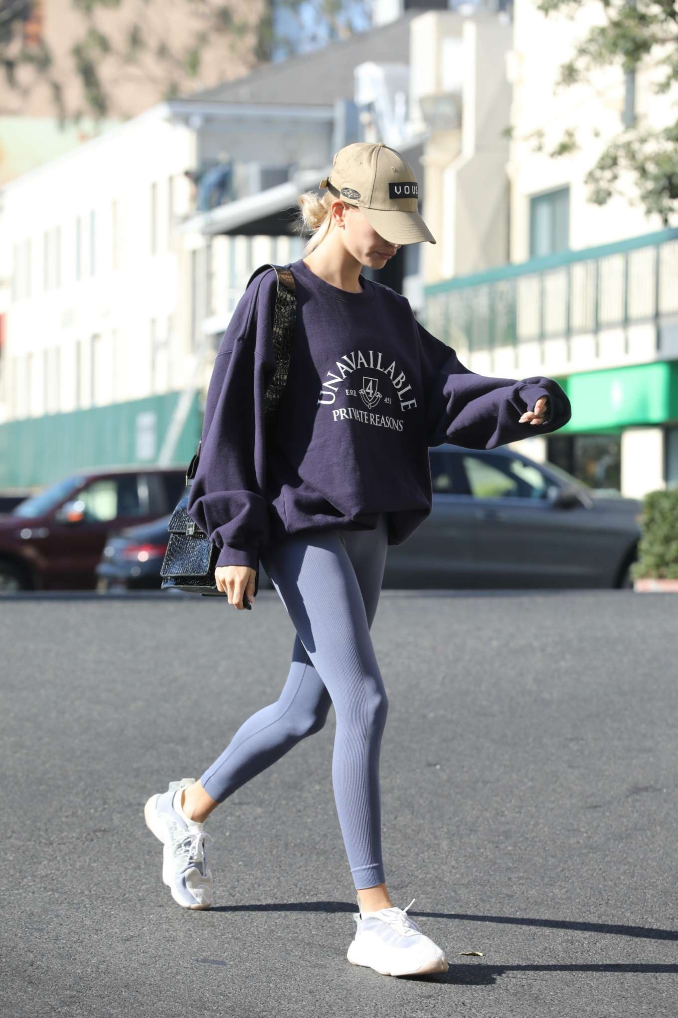 Hailey Bieber 2019 : Hailey Bieber – Arrives to the gym in Los Angeles-12