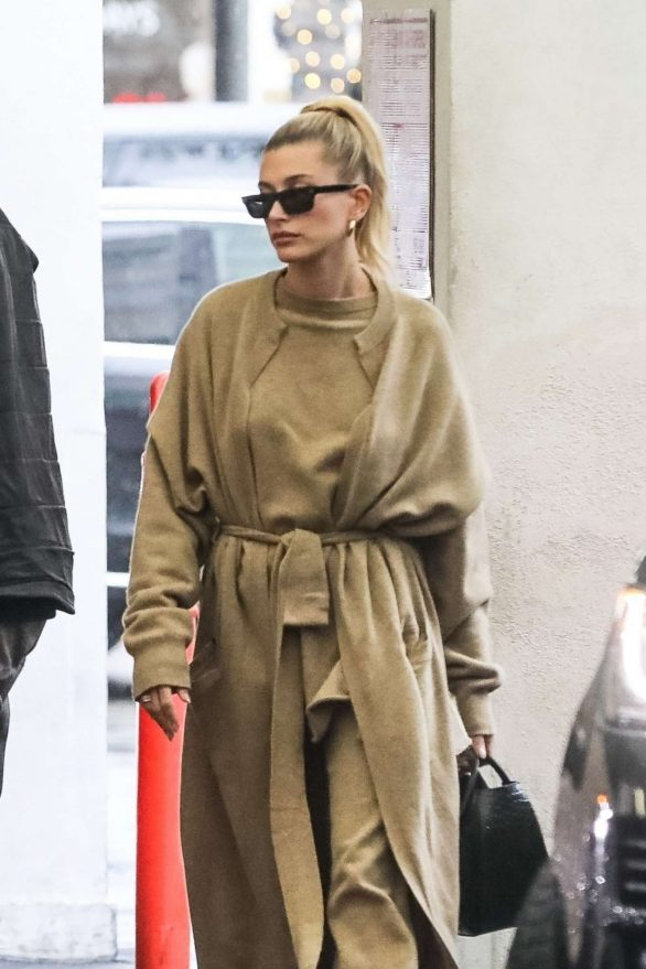 Hailey Bieber - Out in Los Angeles