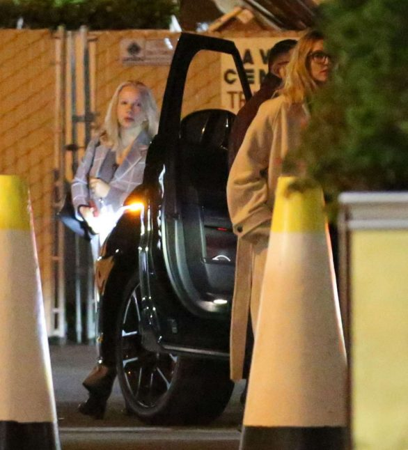 Hailey Bieber - Out with her mom to watch a movie in Hollywood