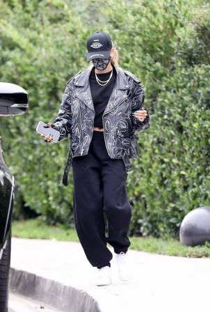 Hailey Bieber - stops by a friend's house in Beverly Hills