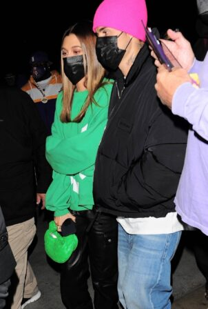 Hailey Bieber - With Justin Bieber attend Lakers vs Suns game at Staples Center in Los Angeles