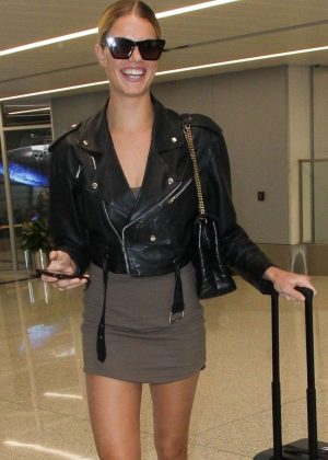 Hailey Clauson - Arriving at LAX Airport in Los Angeles