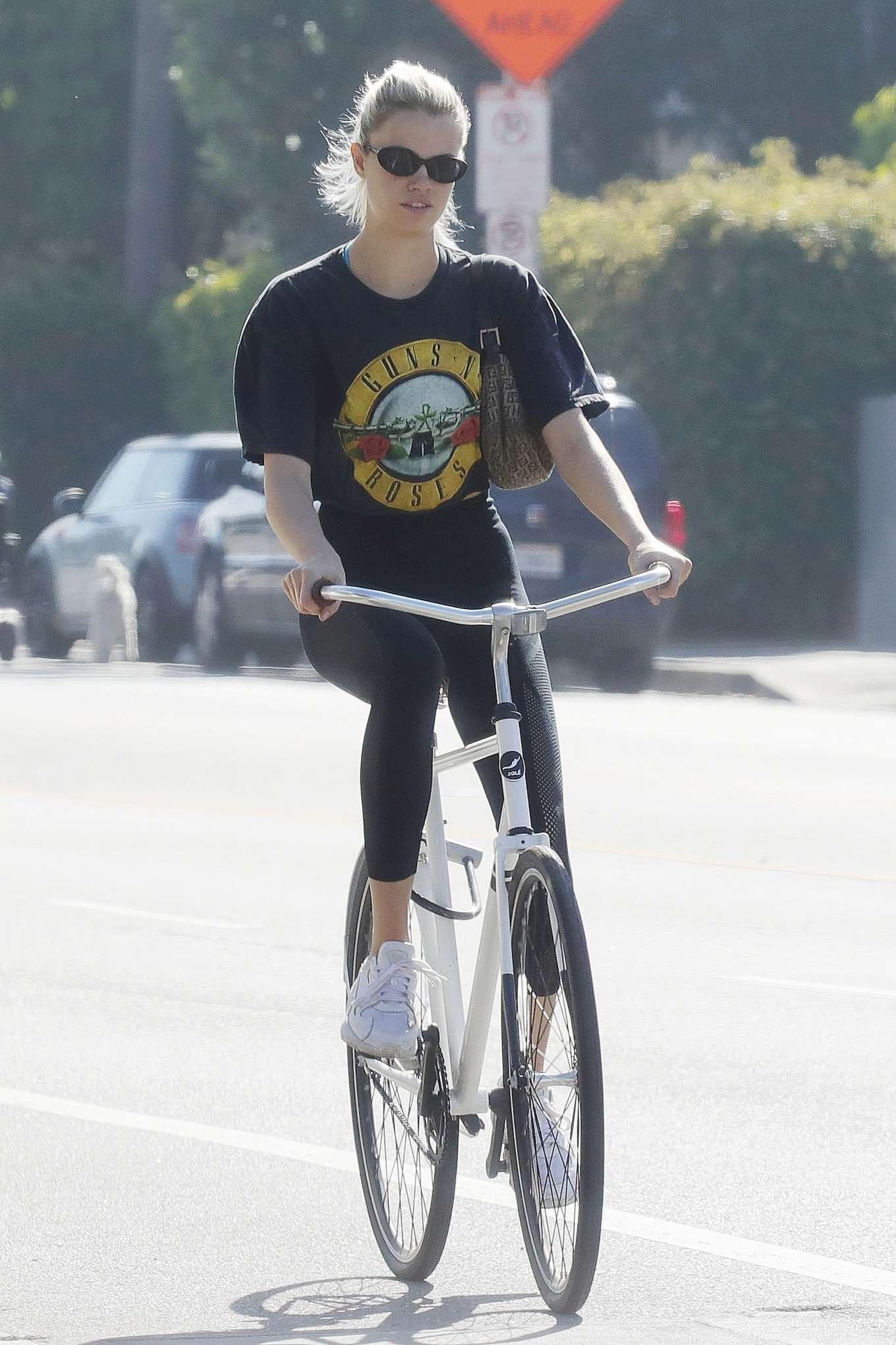 Hailey Clauson – Bike Riding in Los Angeles-01