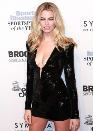 Hailey Clauson - Sports Illustrated Sportsperson of the Year Ceremony 2016 in NYC