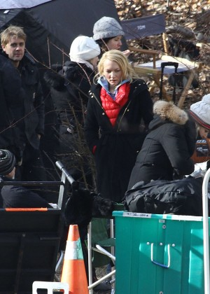 Haley Bennett - Filming 'The Girl on The Train' in NY