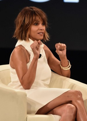 Halle Berry - 2016 MAKERS Conference in Rancho Palos Verdes