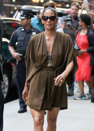 Halle Berry - Arrives at 'Good Morning America' TV Show in New York