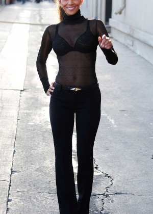 Halle Berry Hot at Jimmy Kimmel Live -04