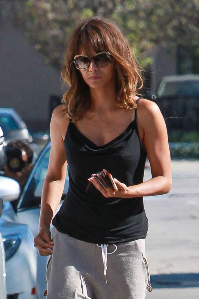 Halle Berry - Arrives at Kinara Skin Care Clinic & Spa in West Hollywood