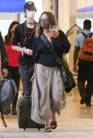 Halle Berry - arriving at Orlando International Airport
