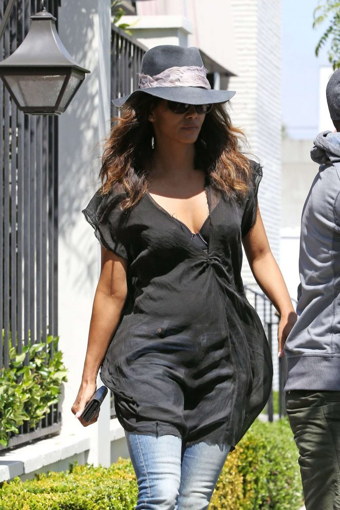 Halle Berry at Gracias Madre Restaurant in Beverly Hills