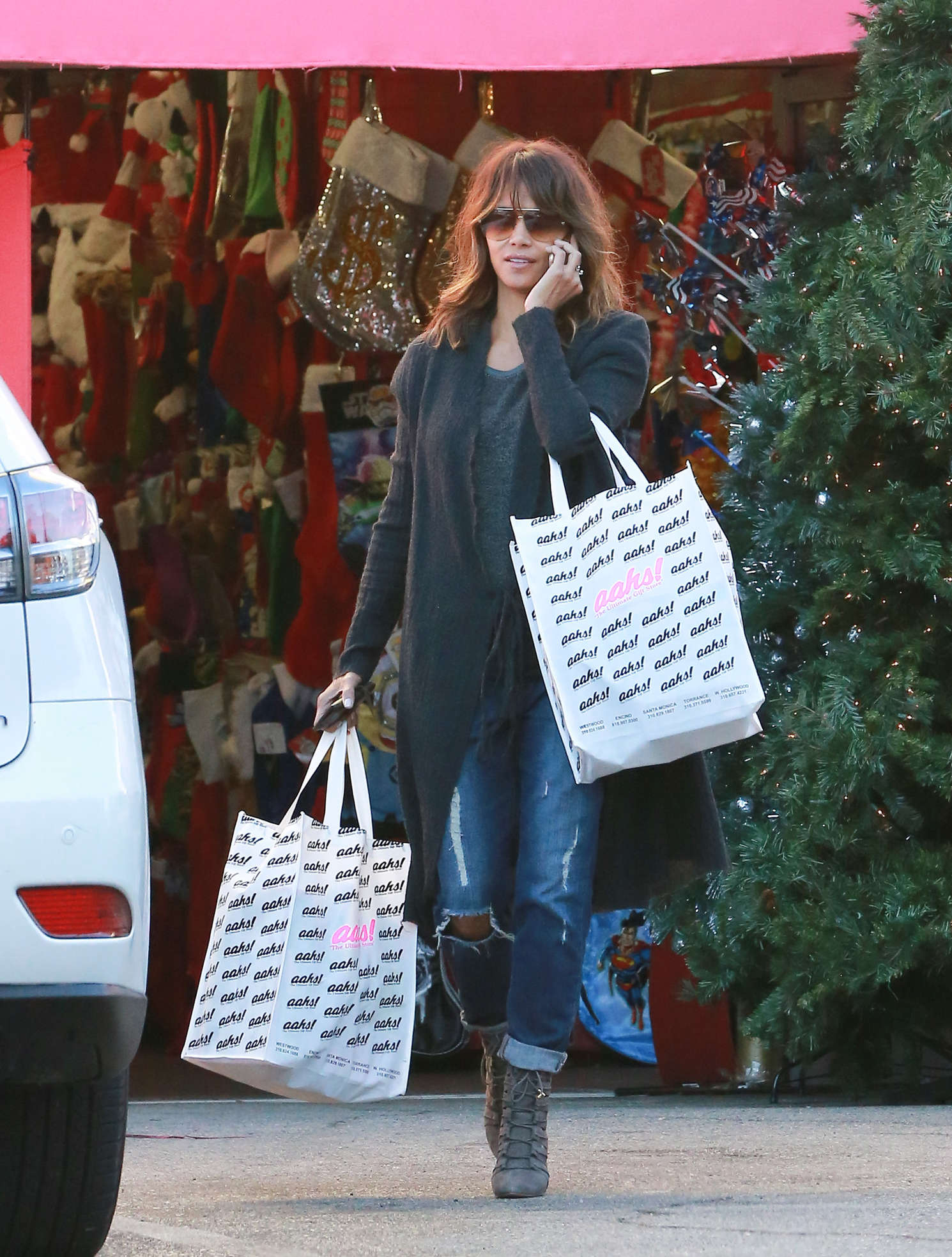 Halle Berry - Christmas Shopping in Beverly Hills