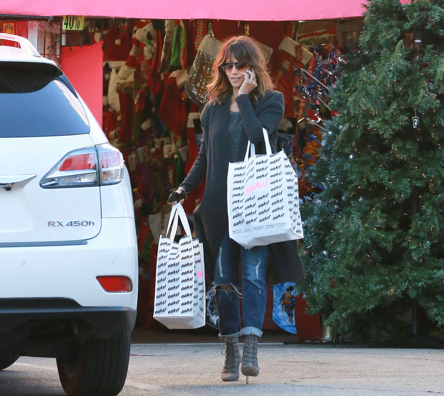 Halle Berry 2015 : Halle Berry: Christmas Shopping -08