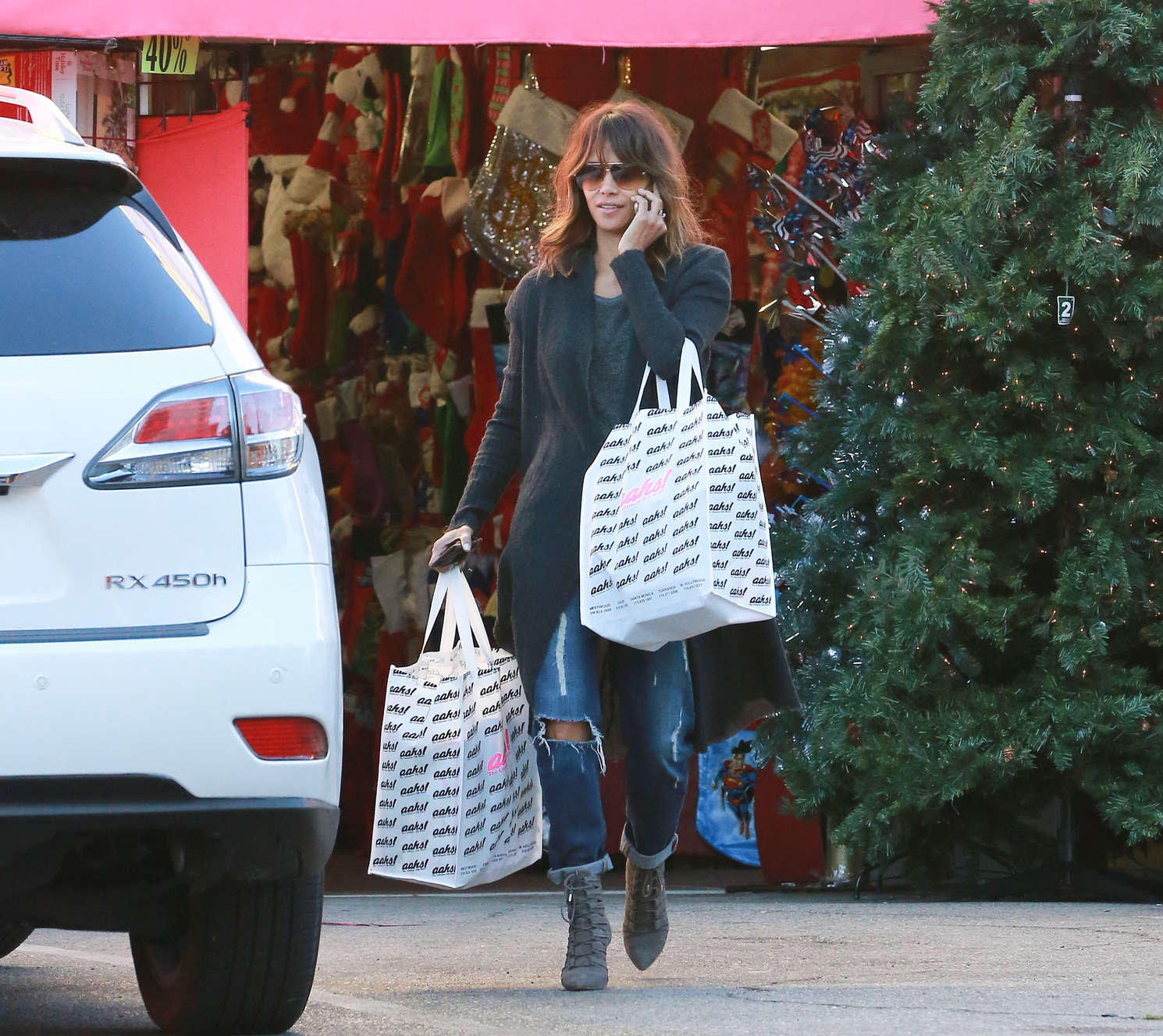 Halle Berry 2015 : Halle Berry: Christmas Shopping -10