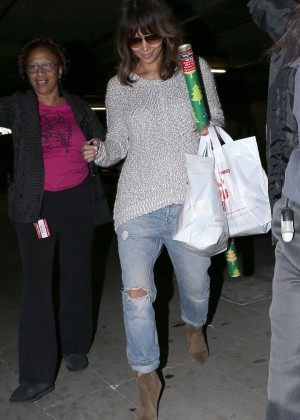 Halle Berry in Jeans Shopping in Beverly Hills