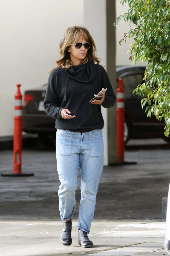Halle Berry – Leaving the dentist office in Beverly Hills