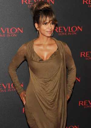 Halle Berry - Revlon Love Is On Million Dollar Challenge Celebration in New York