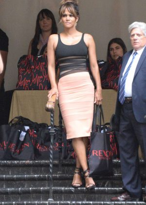 Halle Berry - Revlon's Annual Philanthropic Luncheon 2016 in LA